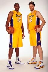 Bynum and Gasol (photo: NBA)